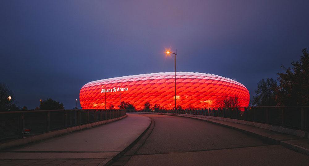 Die Allianz Arena in München steht sinnbildlich für die Dominanz des FC Bayern in diesem Jahrzehnt @ Herr Bohn / Unsplash