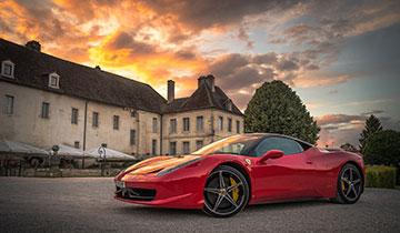 Sollte man sich mit reicheren Menschen vergleichen? © Matt Lamers / Unsplash
